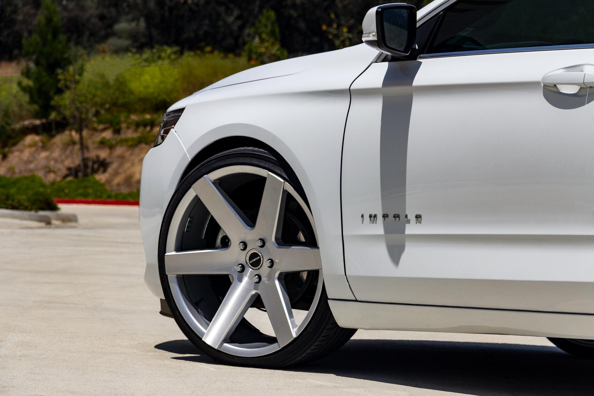 Strada Coda Chevy Impala