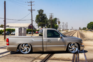 Strada Street Classics Retro6 Silverado
